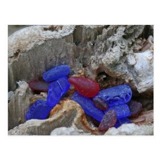 Rojo raro y azul de cobalto Seaglass Tarjeta Postal