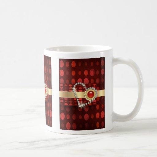 Rojo romántico del corazón del diamante de la taza de café