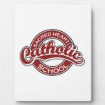 Rojo sagrado de la escuela católica del corazón placa para mostrar