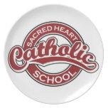 Rojo sagrado de la escuela católica del corazón platos para fiestas