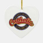 Rojo sagrado de la iglesia católica del corazón en ornaments para arbol de navidad