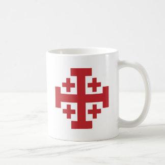 Rojo simple de la cruz de Jerusalén Tazas De Café