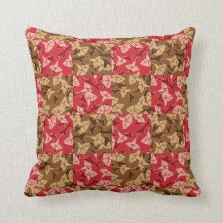 Rojo y almohada floral del otoño de los colores de