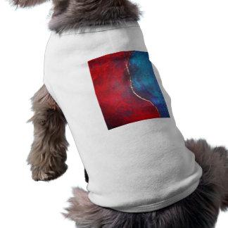 Rojo y azul con arte abstracto del arquero de Phil Camiseta De Perrito