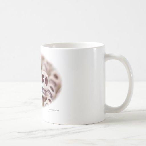 Rojo y blanco tazas de café