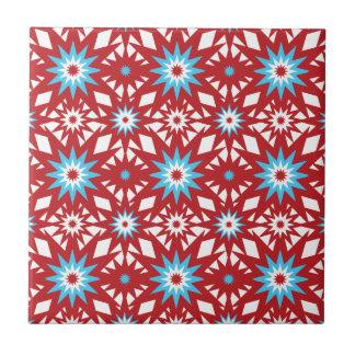 Rojo y diseño de Starburst del modelo de estrella  Azulejo Cuadrado Pequeño