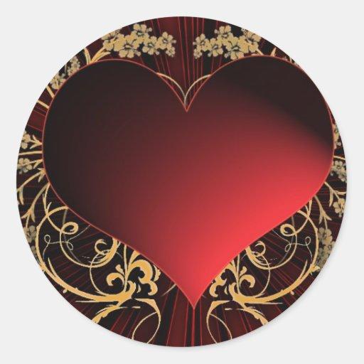 Rojo y diseño del corazón del oro pegatina redonda