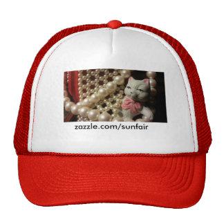 Rojo y gorra dulce del gatito de las perlas