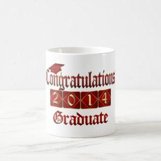 Rojo y graduado 2014 del oro taza de café
