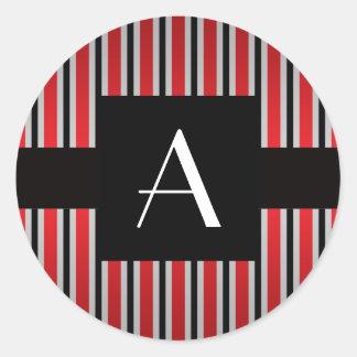 Rojo y rayas negras del monograma pegatinas redondas