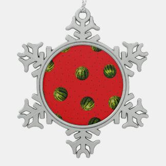 rojo y semillas de la sandía adorno de peltre en forma de copo de nieve
