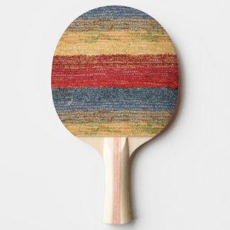 Rojos coloridos, azul, amarillean rayas tejidas pala de ping pong