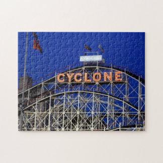 Roller coaster del ciclón en rompecabezas de la n
