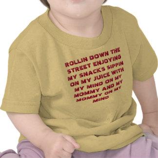 Rollin abajo de la enredadera de la calle camisetas
