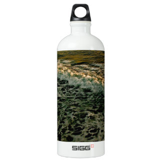 ROLLING WAVES AT SUNSET AT THE PACIFIC OCEAN SIGG TRAVELER 1.0L WATER BOTTLE
