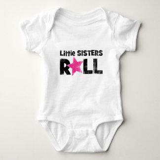 Rollo de las pequeñas hermanas body para bebé