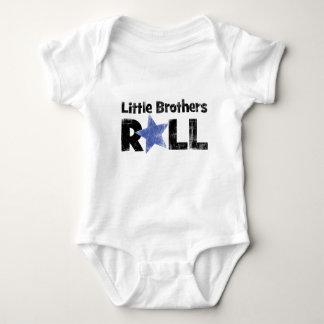 Rollo de los pequeños hermanos mameluco de bebé