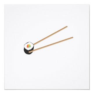"""Rollo de sushi con los palillos invitación 5.25"""" x 5.25"""""""