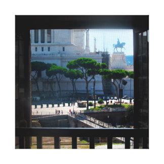 Roma a través de una ventana impresiones en lona estiradas
