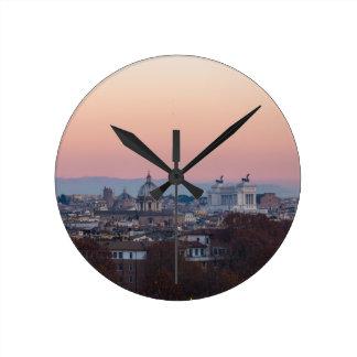 Roma del panorama de Gianicolo en la puesta del Reloj Redondo Mediano
