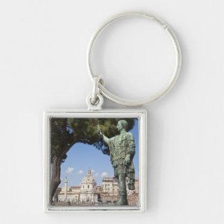 Roma, el foro, estatua de Cesar Llavero Cuadrado Plateado