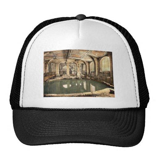 Roman Baths and Abbey, Circular Bath, Bath, Englan Trucker Hat