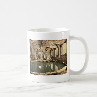 Roman Baths and Abbey, Circular Bath, Bath, Englan Classic White Coffee Mug