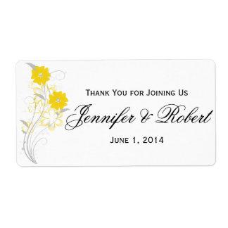 Romance de florecimiento en etiqueta amarilla de l etiqueta de envío
