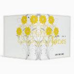Romance de florecimiento en planificador amarillo