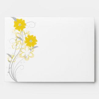 Romance de florecimiento en sobre amarillo