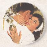 Romance del amor del vintage, par en un abrazo posavasos manualidades