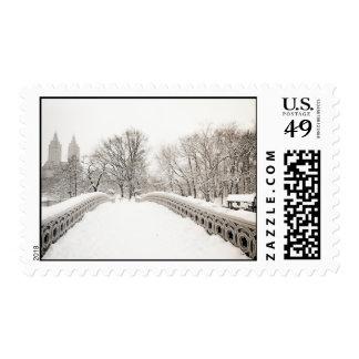 Romance del invierno del Central Park - puente del Estampilla