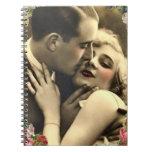 Romance en un óvalo floral cuadernos
