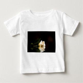 Romance quebrado t-shirt