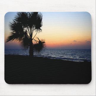 Romantic beach scene. mouse pad