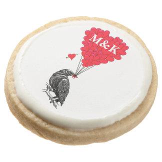 Romantic crow Valentines day Round Shortbread Cookie