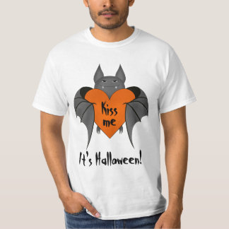 Romantic Halloween bat T-Shirt
