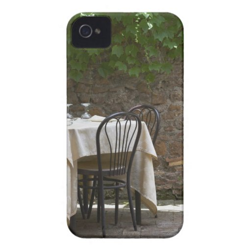 romantic table for two iPhone 4 cases