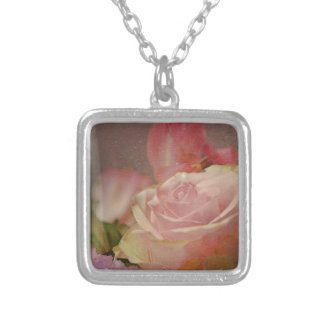 romántico subió ramo rosado de los rosas de las colgante cuadrado