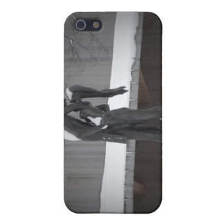 Romeo and Juliet, A Winter Embrace, Central Park iPhone 5 Cases