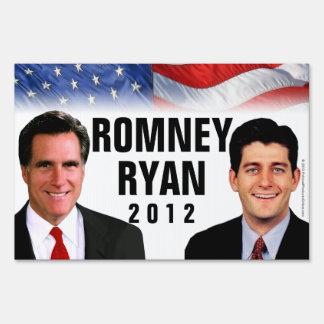 Romney/muestra 2012 de la yarda de la foto de Ryan
