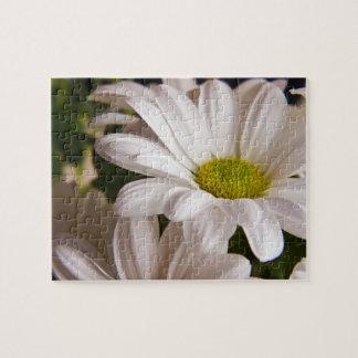 Rompecabezas blanco de la flor del crisantemo