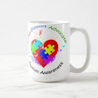 Rompecabezas del autismo en corazón tazas de café