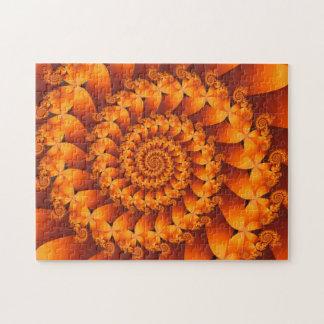 Rompecabezas espiral anaranjado del fractal