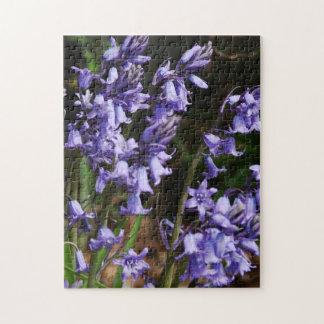 Rompecabezas grande azul púrpura de las flores de