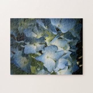 Rompecabezas grande sombreado azul de la flor del