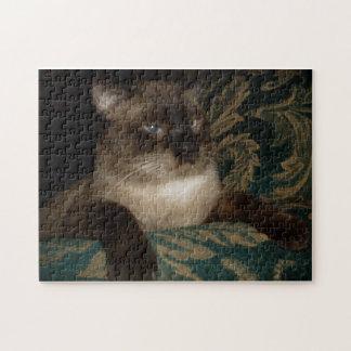 Rompecabezas gruñón del gato siamés
