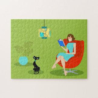 Rompecabezas retro de la mujer de la lectura