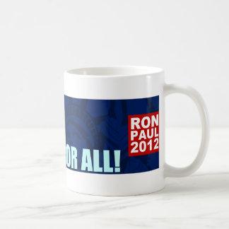 Ron Paul: Libertad y justicia para todos Taza Clásica