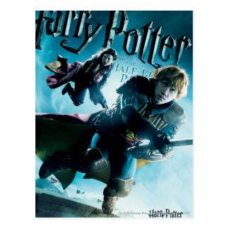 Ron y Ginny en las escobas 1 Postal
